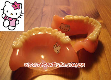 dentadura hello kitty